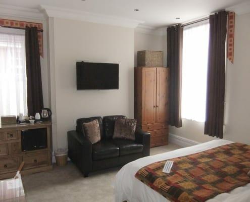 DSCF7669 495x400 Our Suites