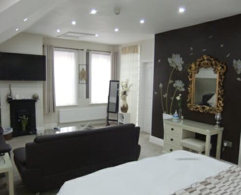DSCF7991 495x400 Our Suites
